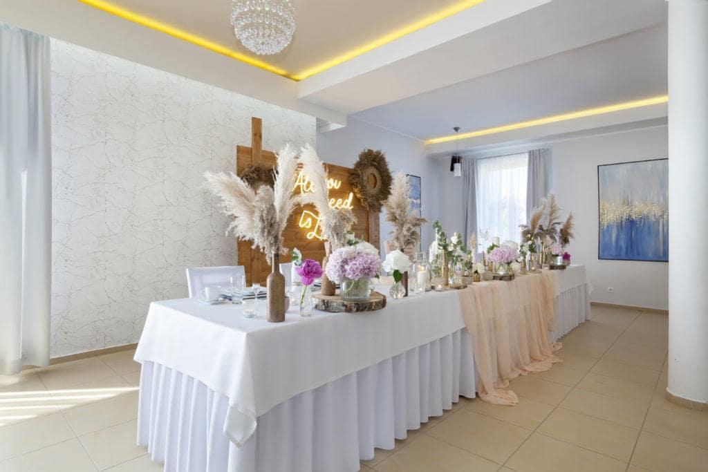 Restauracja Biancas stół dla nowożeńców